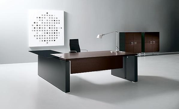 Büromöbel - Schreibtischanlage